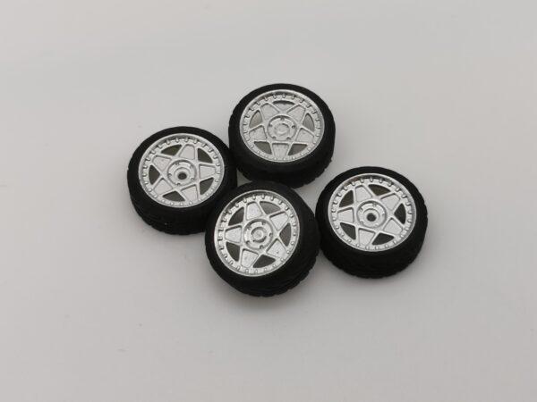 DS Design Felge D14 Silber Chrom / Profilreifen