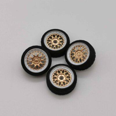 DS Design Felge D07 Ring: Chrom / Kern: Gold Chrom | Profilreifen