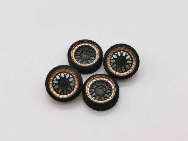 DS Design Felge D07 Ring: Gold Chrom / Kern: Schwarz | Profilreifen