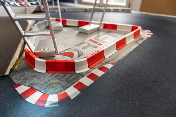Drift Streckenbegrenzung Set rot/weiss | 64 Teile Beispiel | Sturmkind DR!FT