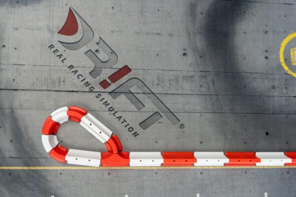 Drift Streckenbegrenzung Set rot/weiss | 64 Teile Kurve/Eckteil | Sturmkind DR!FT