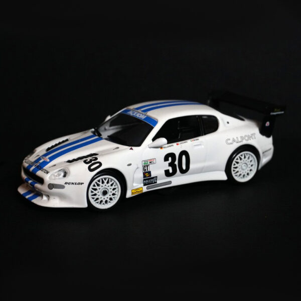 Maserati GranSport Trofeo Weiss | F4 Limited Edition | vorne | DR!FT Racer