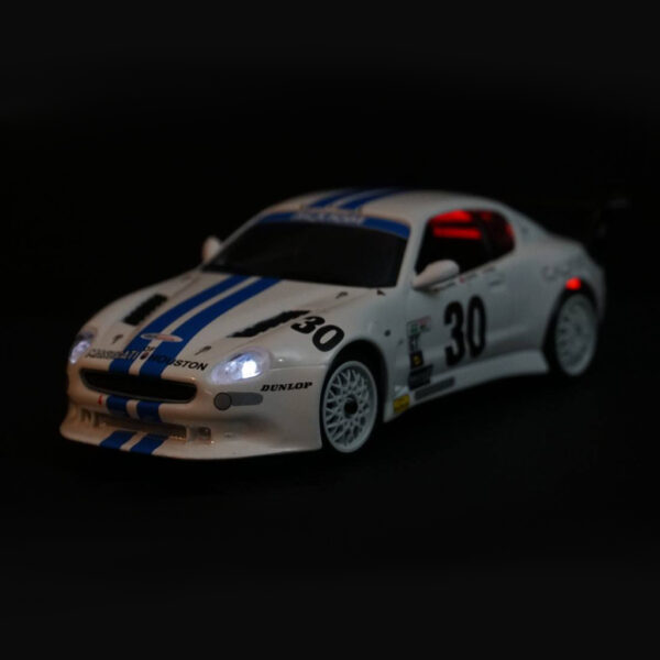 Maserati GranSport Trofeo Weiss | F4 Limited Edition | Licht vorne | DR!FT Racer