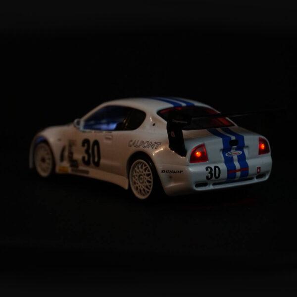 Maserati GranSport Trofeo Weiss | F4 Limited Edition | Licht hinten | DR!FT Racer