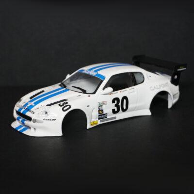 Maserati GranSport Trofeo Karosserie Weiss inkl. Adapter | F4 Limited Edition | vorne | DR!FT Racer