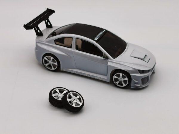 DS Design Felge D32 Hinten Übergrösse Silber / Profilreifen | Auf D1 Racer