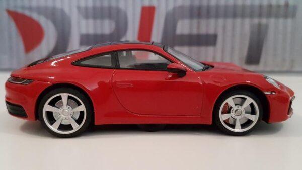 DS Design Felge D32 Hinten Übergrösse Silber / Profilreifen | Auf Porsche seitlich