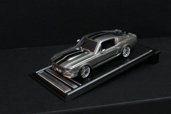 Shelby GT-500 – Eleanor mit Chromfelgen auf Showbühne | DR!FT Racer Umbau von Mika Trendshop