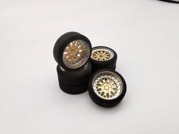 DS Design Felge D07 Tiefbett Ring: Chrom / Kern: Gold Chrom